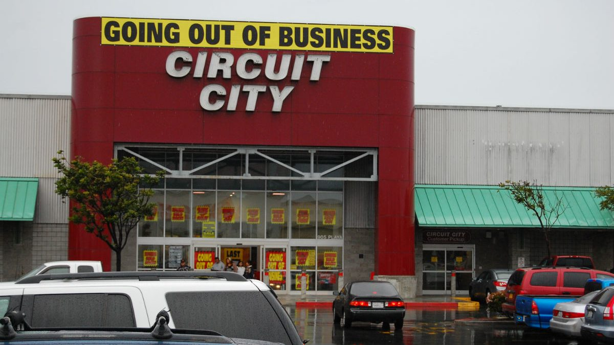 Circuit City Is Coming Back For Some Reason
