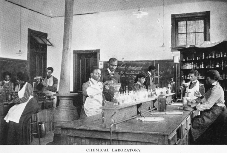 nypl_booker_t_washington_chemistry