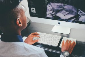 Man at computer (PicNoi)