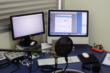 iMac and podcast microphone
